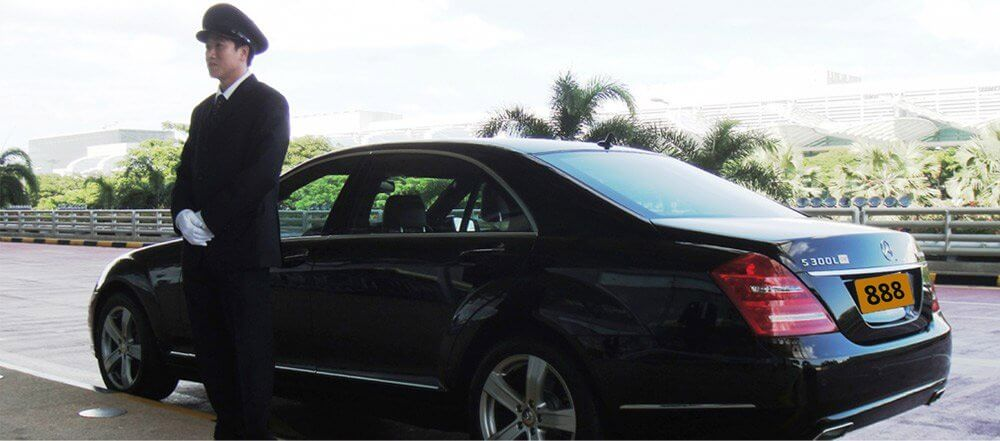 Chauffeur cars Melbourne to Werribee