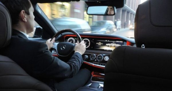 Chauffeur car hire in South East Melbourne