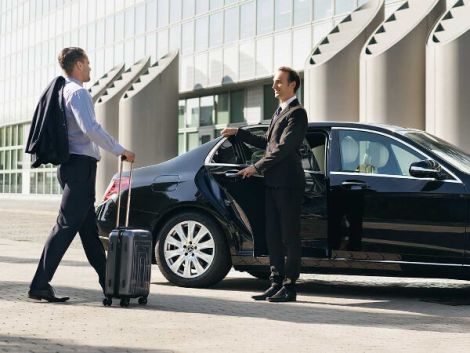 Airport transfer Melbourne to Horsham